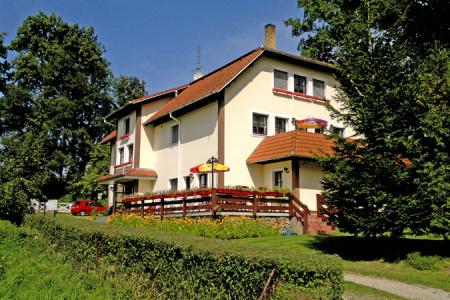 Ubytování v apartmánech u řeky v jižních Čechách